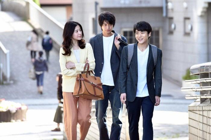 吉高由里子、向井理、泉澤祐希/「わたし、定時で帰ります。」第6話より(C)TBS