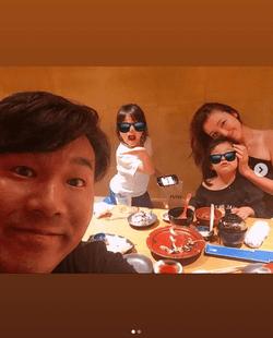 木下優樹菜、家族団欒ショット公開し反響「素敵な家族」「幸せ感満載」