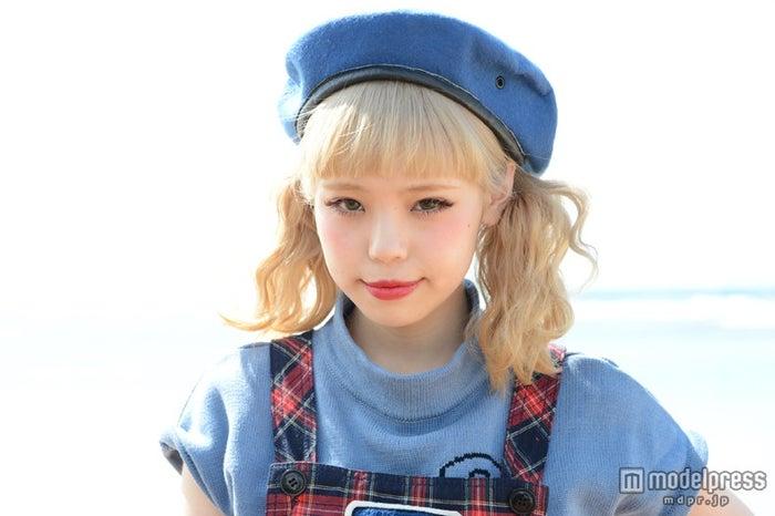 モデルプレスのインタビューに応じた瀬戸あゆみ
