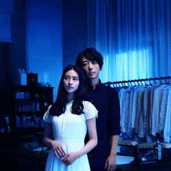 モデルプレス - 高橋一生&武井咲、5年ぶりの共演でラブストーリー「おじさんは本当にドキドキしっぱなし」