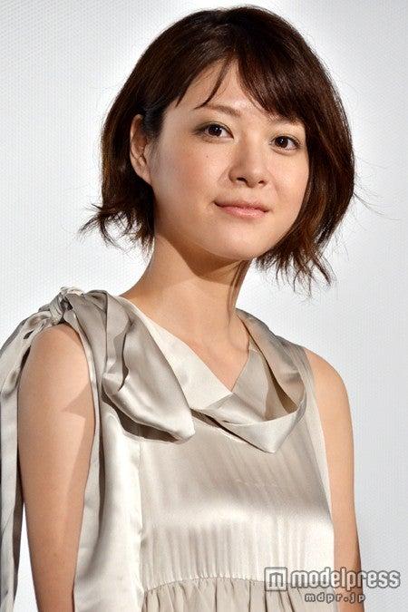 映画「陽だまりの彼女」完成披露試写会舞台あいさつに出席した上野樹里
