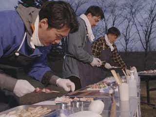 """青柳翔らが貴重な地鶏と十勝の春野菜で開発した""""北海道最高の焼き鳥""""がついに完成!<EXILE TRIBE 男旅>"""