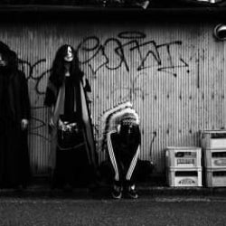 首振りDolls、ニューアルバム『ドラマティカ』のオフィシャルインタビューが到着!