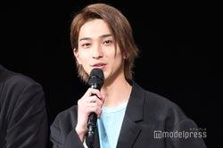 ファンの声がけに応えまくる横浜流星(C)モデルプレス