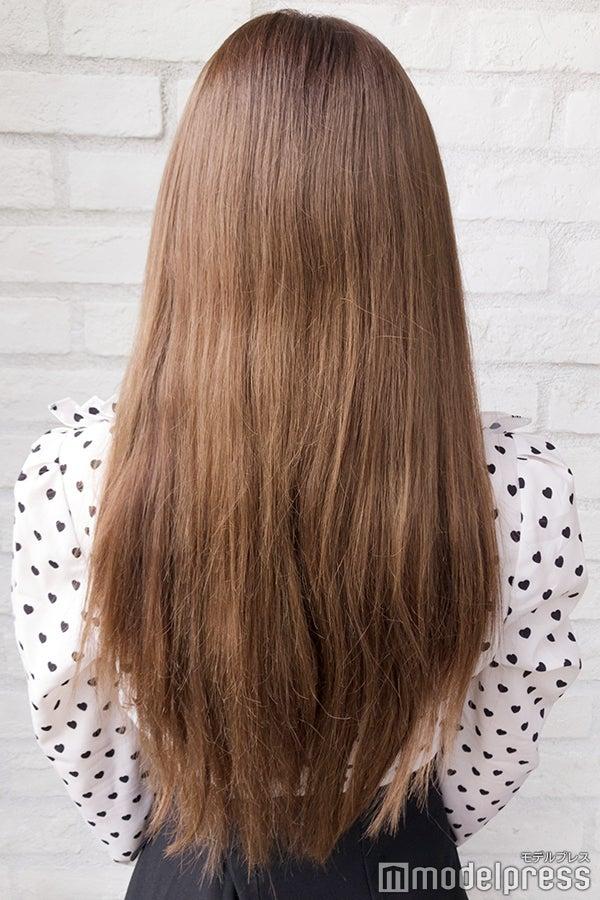 髪は胸元あたりの長さ (C)モデルプレス