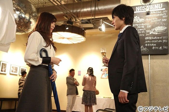西内まりや、山村隆太/「突然ですが、明日結婚します」第1話より/画像提供:フジテレビ