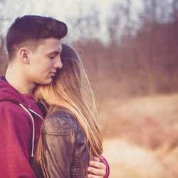 久しぶりにあなたの姿を見たら抱きしめたくなるかも/photo by GAHAG