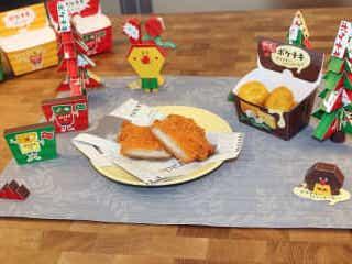 ちょっと贅沢なチーズ味「クワトロチーズインファミチキ」と「トリプルチーズインポケチキ」が期間限定販売!