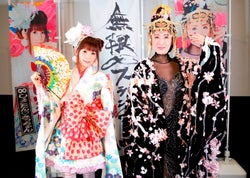 中川翔子×小林幸子の衝撃コラボユニットが、ニコ生で豪華衣裳サプライズ生歌唱