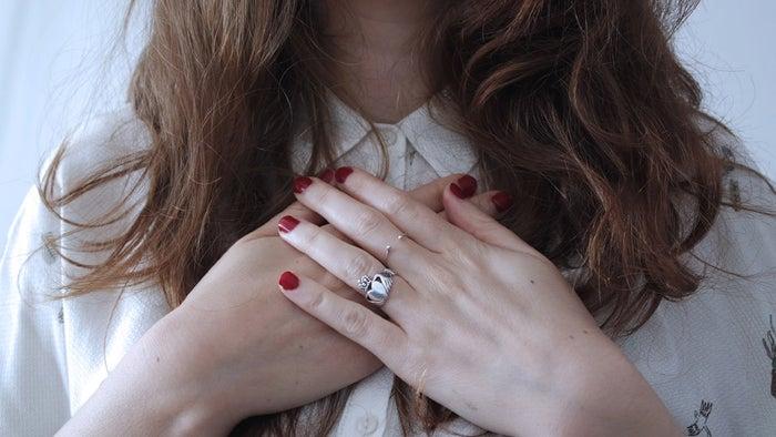 男性がいくら好きでも一発で冷める女性の態度5選│無理付き合えない!/photo by GAHAG