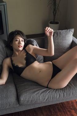 佐藤美希(C)藤本和典/週刊FLASH