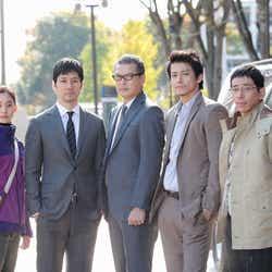 (左から)新木優子、西島秀俊、田中哲司、小栗旬、野間口徹(画像提供:関西テレビ)