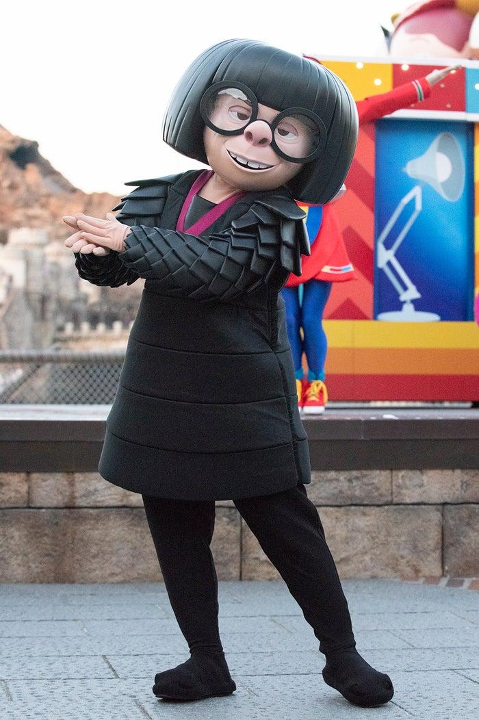 エドナ・モード/東京ディズニーシー「ピクサー・プレイタイム・パルズ」(C)Disney(C)Disney/Pixar