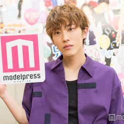 モデルプレスのインタビューに応じた杉野遥亮 (C)モデルプレス