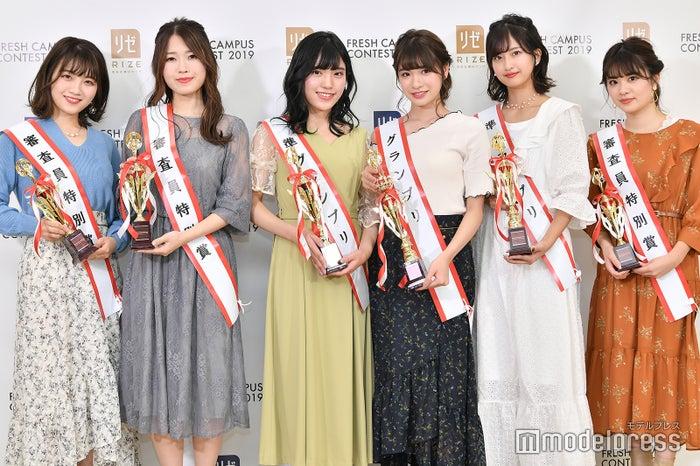 (左から)渡辺萌菜、坂本奈優、望月優夢、中川紅葉、斉藤里奈、村上由樹(C)モデルプレス