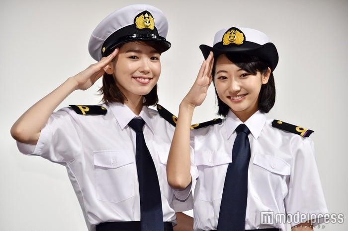 新ドラマ『マジで航海してます。』制作発表に登壇した(左から)飯豊まりえ、武田玲奈 (C)モデルプレス