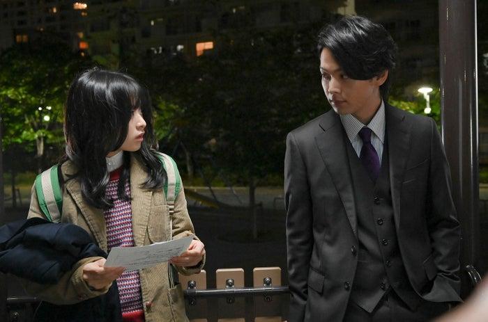 森七菜、中村倫也/「この恋あたためますか」第2話より(C)TBS