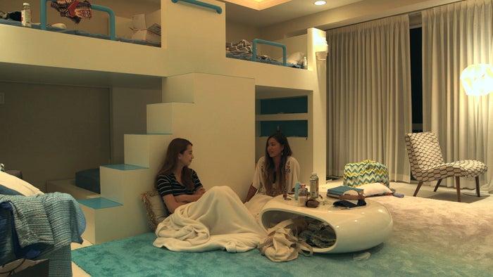 仁希、杏奈『TERRACE HOUSE ALOHA STATE』25th WEEK(C)フジテレビ/イースト・エンタテインメント