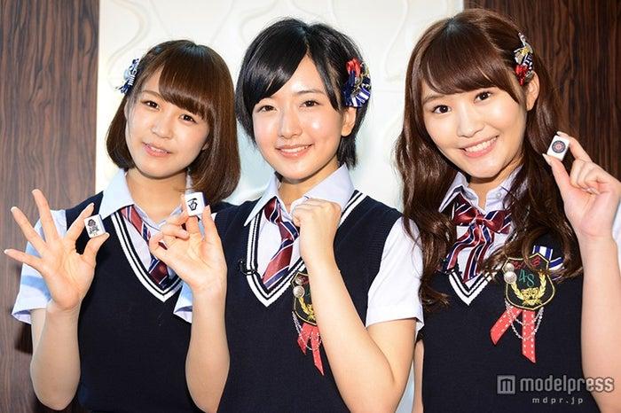 左より:三田麻央、須藤凜々花、川上礼奈