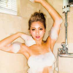 モデルプレス - ゆきぽよ、泡風呂・ランジェリー・ビキニ…過激ショットにも挑戦で初の試み