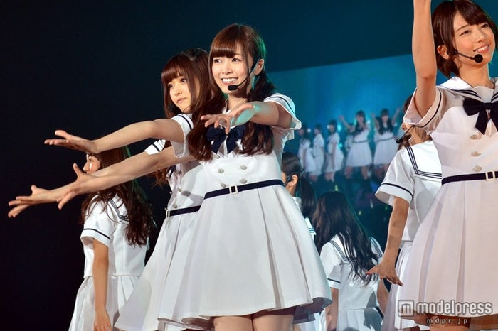 乃木坂46のセンターとしてステージで躍動した白石麻衣