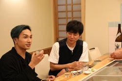 EXILE THE SECOND橘ケンチ、アンジャッシュ渡部建と男二人旅 事務所の裏話も