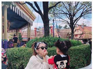近藤千尋&ジャンポケ太田博久、愛娘とディズニー満喫 親子コーデが可愛い