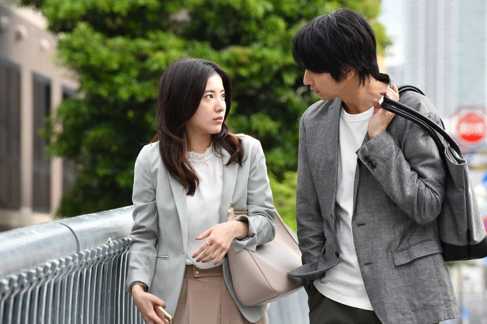 吉高由里子、向井理/「わたし、定時で帰ります。」第7話より(C)TBS
