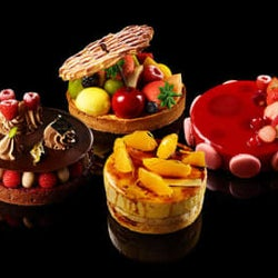 苺のミルフィーユは必食レベル!アートのようなホールケーキ専門店が登場!