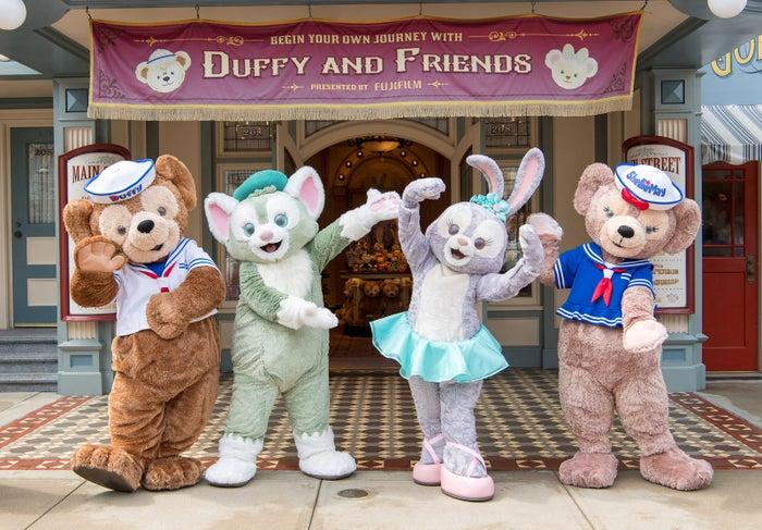 ダッフィーの専門店「Main Street Cinema: My Journeys with Duffy」(C)Disney