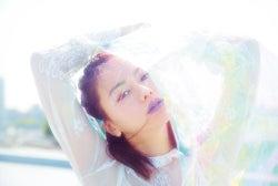 山本舞香の美しさにハッとする 「誰にでもある2面性」表現
