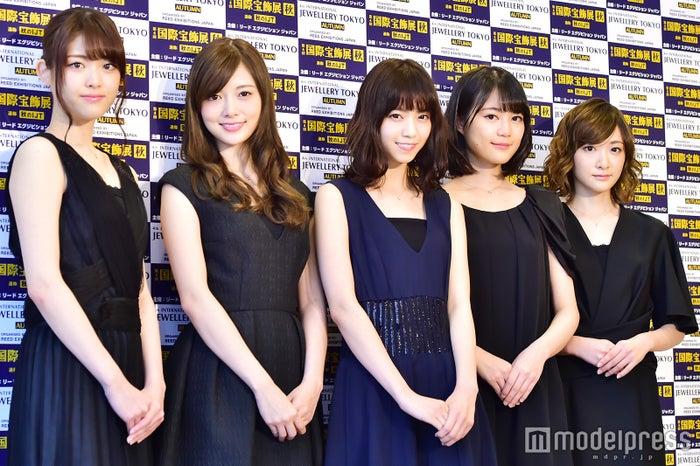 乃木坂46(左から)松村沙友理、白石麻衣、西野七瀬、生田絵梨花、生駒里奈(C)モデルプレス