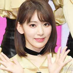 モデルプレス - IZ*ONE宮脇咲良、金髪イメチェンが話題 メンバー最新ビジュアル明らかに