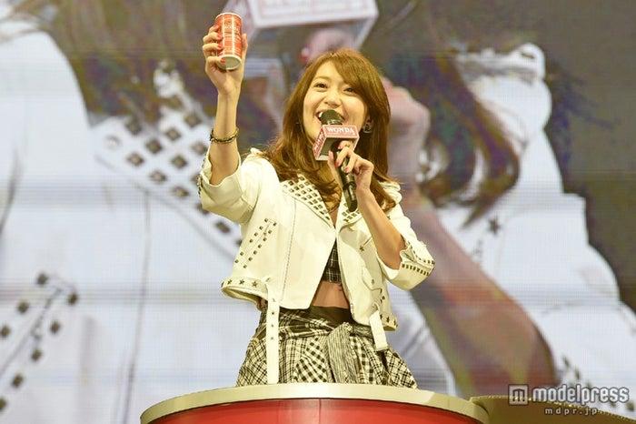 AKB48のライブにサプライズ登場した大島優子