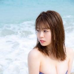 井口綾子「スピリッツ」初表紙でモッツァレラボディ解放