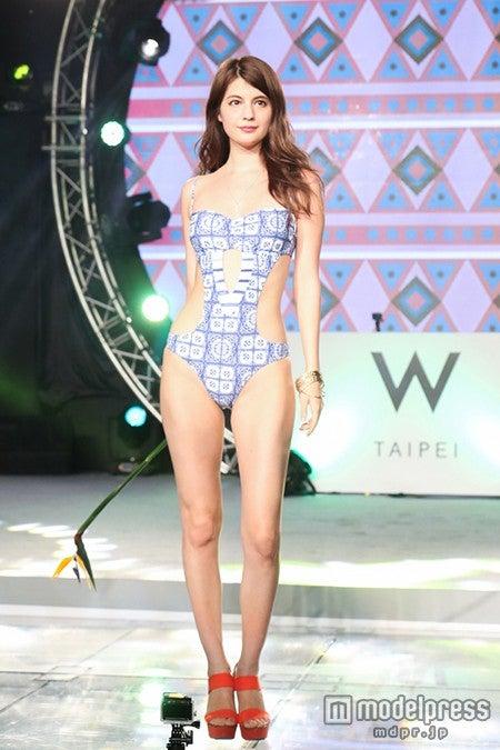 マギー、美バスト&くびれあらわなSEXY水着でアジアを魅了【モデルプレス】