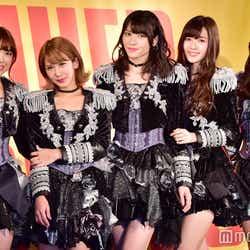 ℃-ute(左から)中島早貴、岡井千聖、矢島舞美、鈴木愛理、萩原舞 (C)モデルプレス