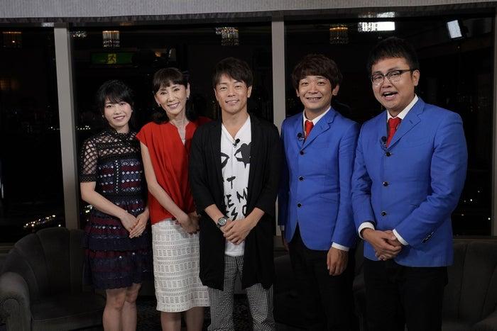 (左から)横山由依、秋野暢子、陣内智則、銀シャリ・鰻和弘、橋本直(写真提供:関西テレビ)