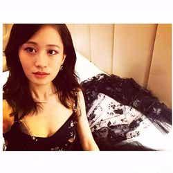 モデルプレス - 前田敦子、胸元大胆SEXYドレス姿披露「色気がすごい」「どんどん大人っぽくなる」