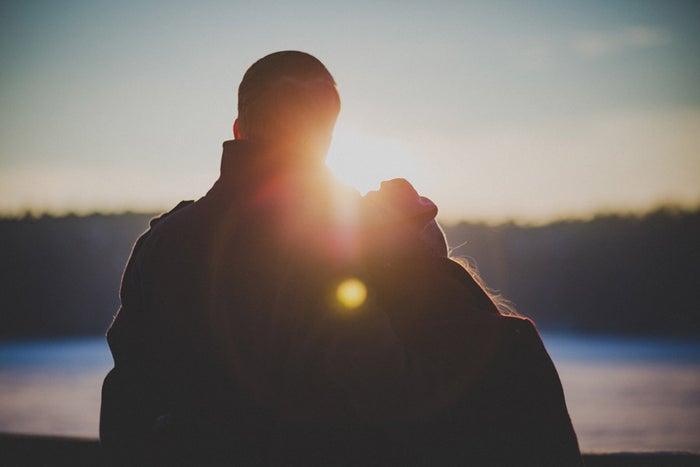 【無口な男性と仲良くなる方法4】心を開いてくれるまで待つ/photo by GAHAG