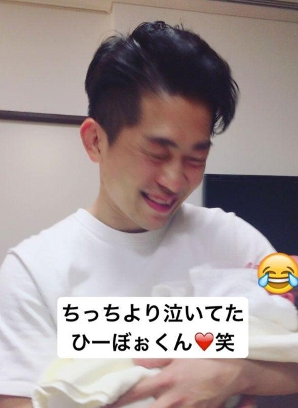 大号泣する太田博久/近藤千尋オフィシャルブログ(Ameba)より