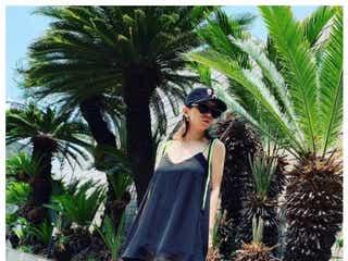 浜崎あゆみ、撮影場所は「ウチの庭」 スラリ美脚ショットに驚きの声続出