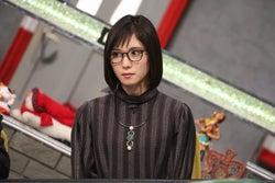 松岡茉優、オン眉×メガネ姿が新鮮【今週のメガネ美女】