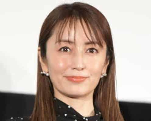 矢田亜希子 YSLのニット&セリーヌのデニム&バーキンの私服姿に「脚長っ!」「可愛すぎ」