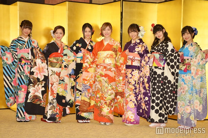 SKE48(左から)鎌田菜月、石田安奈、古畑奈和、松井珠理奈、二村春香、東李苑、青木詩織 (C)モデルプレス