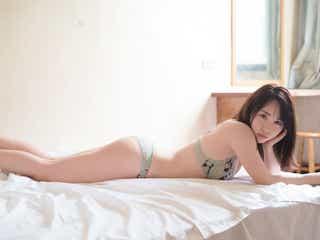 AKB48高橋朱里、ベッドの上でSEXYなランジェリー姿…写真集が重版決定<曖昧な自分>