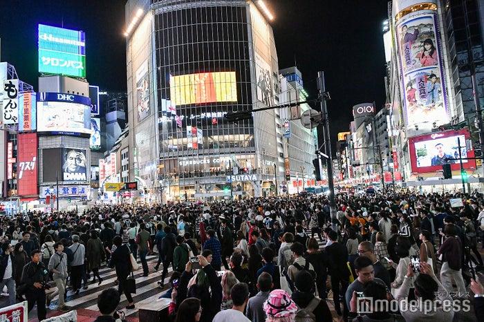 ハロウィンの渋谷の様子/2019年10月26日午後19時頃撮影 (C)モデルプレス