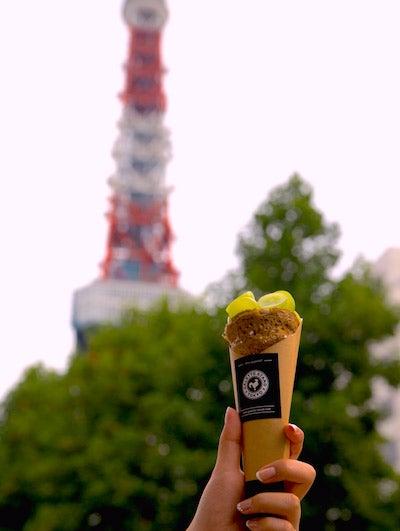 東京タワーとガレット/画像提供::GALETTE STAND
