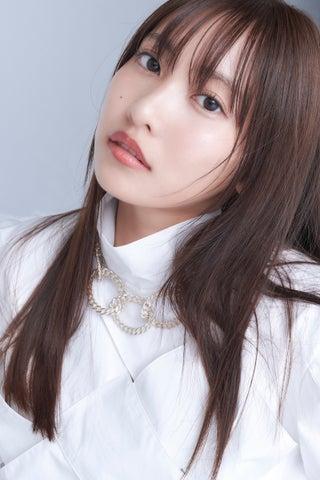 佐野ひなこ、YouTubeで特技を披露 「可愛い」「カッコイイ」絶賛と期待の声