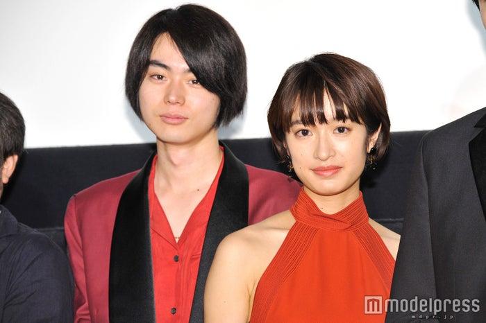 菅田将暉と門脇麦(C)モデルプレス